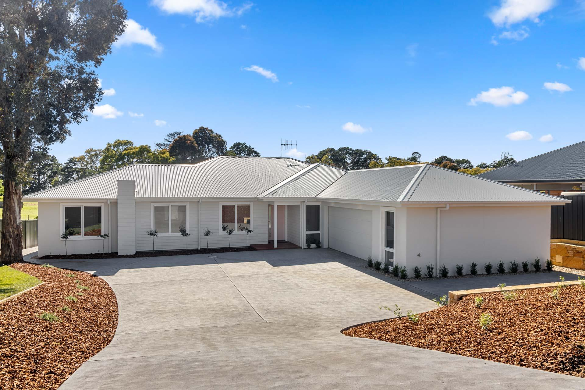 Pristine Canberra Home for Big Families